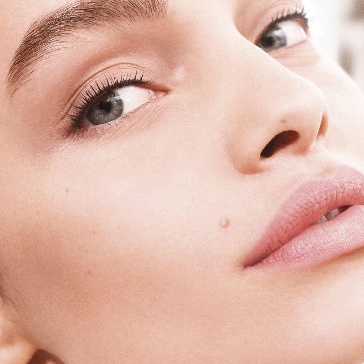 Base de Maquillaje L'Oréal París Larga Duración Infallible24h Tono 130 True Beige
