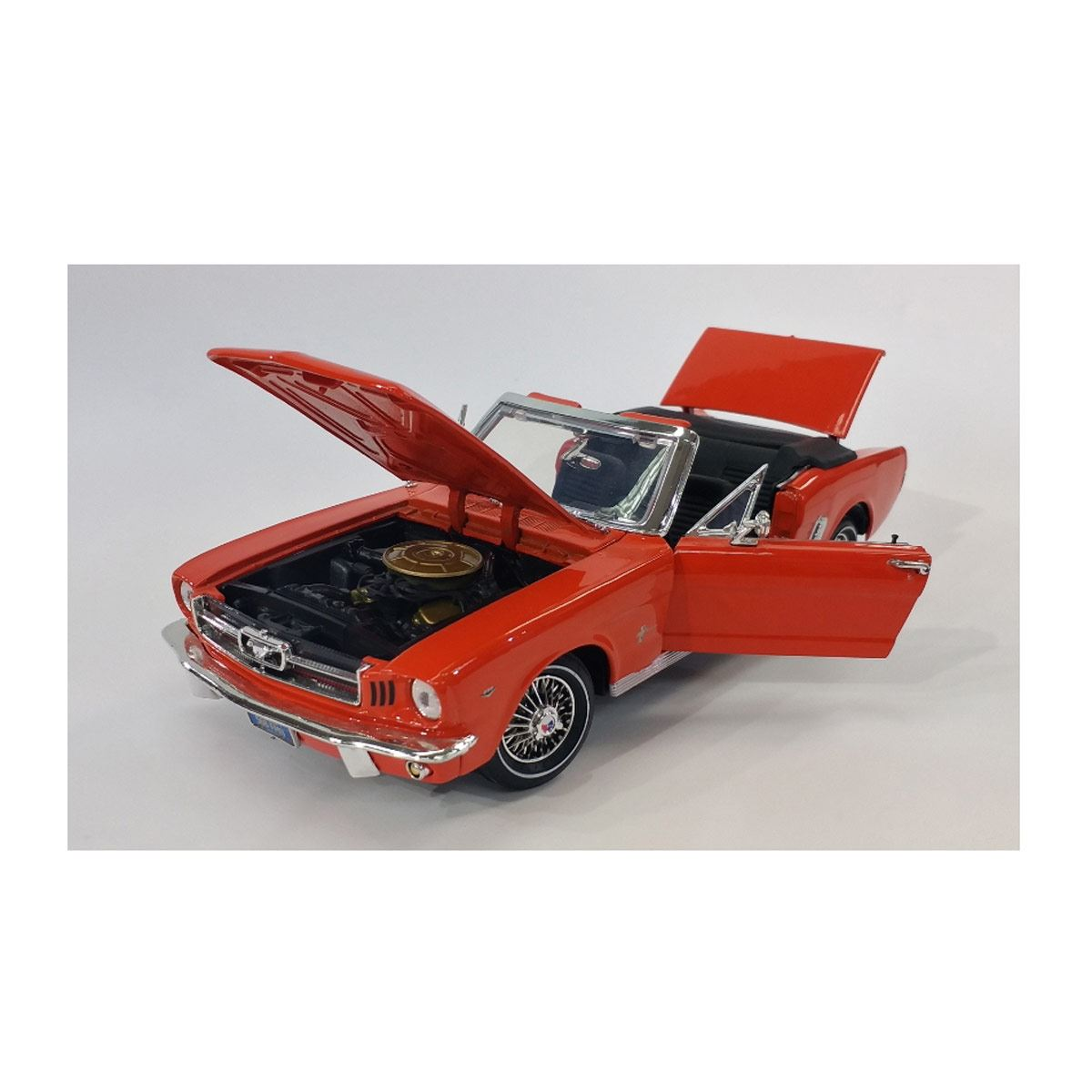 1:18 1964 1/2 Ford Mustang (Convertible)