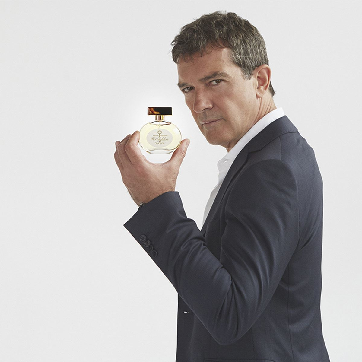 """Her Golden Secret"" de Antonio Banderas"