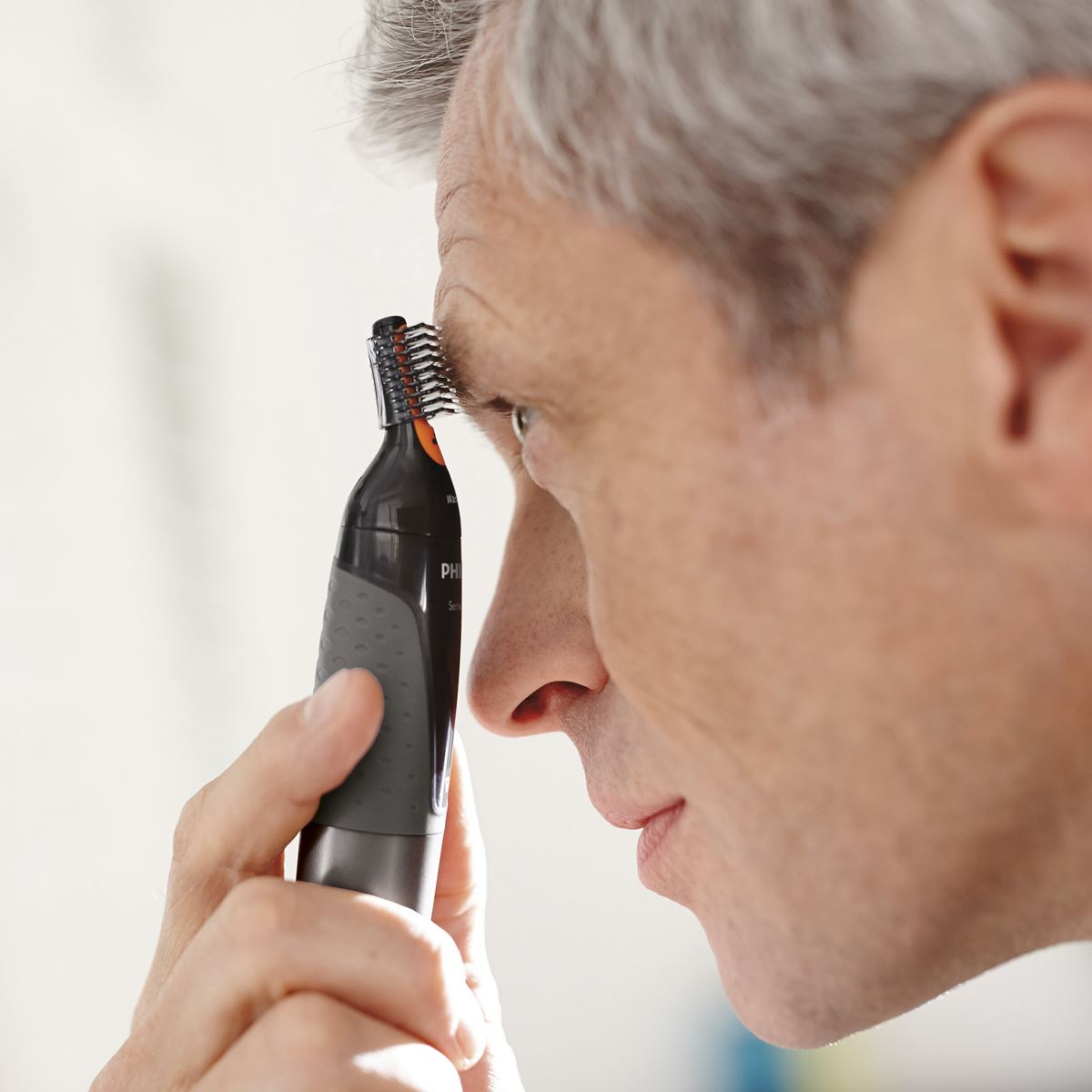 Recortador philips para nariz, orejas y cejas nt3160  - Sanborns