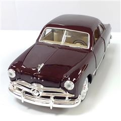 Carro de colección Escala 1:24 1949 Ford Coupe - Sanborns