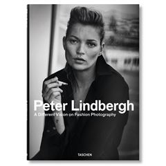 Peter Lindbergh. A Different Vision on Fashion Photography - Sanborns